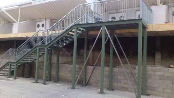 Escaleras en las instalaciones del Maisa Lloret