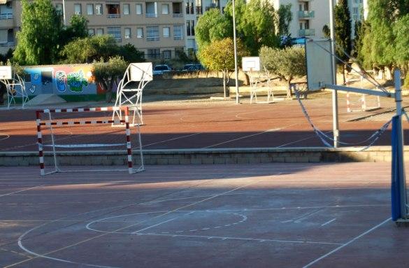 Cistelles-precintadas-en-colegios-Villajoyosa